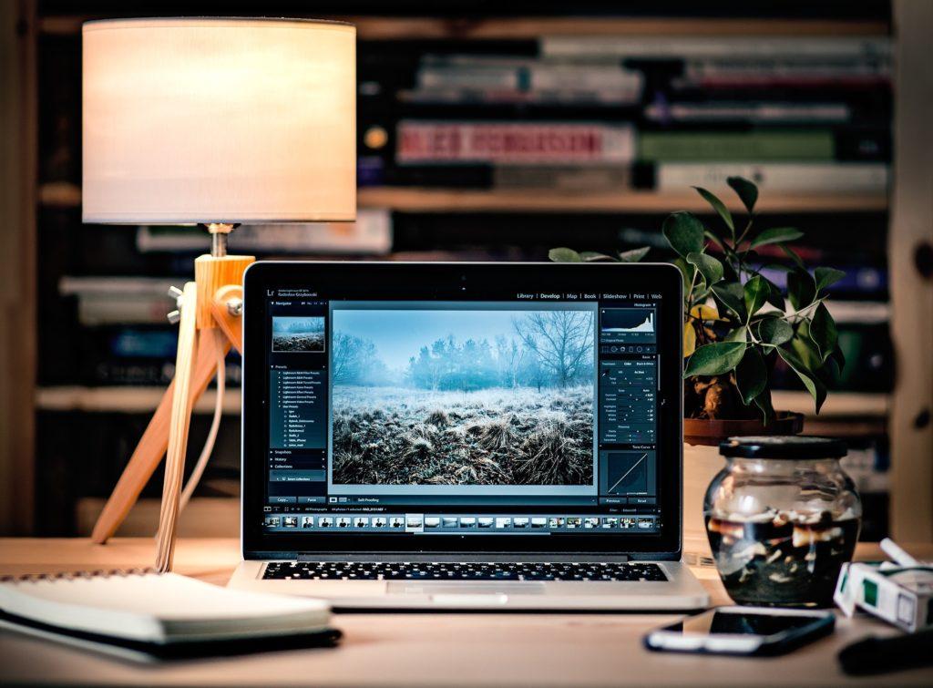 laptop-1246672_1920